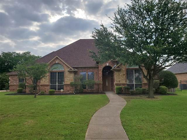 820 Shady Bend Drive, Kennedale, TX 76060 (MLS #14605727) :: Real Estate By Design