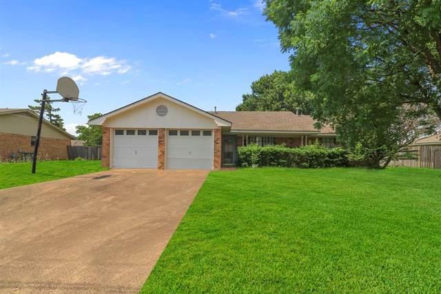 12 Finley Circle, Krum, TX 76249 (MLS #14606215) :: Trinity Premier Properties