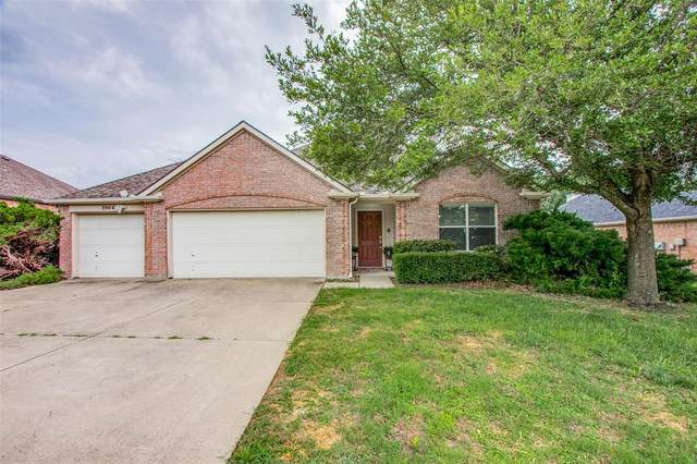 3904 Luck Hole Drive, Denton, TX 76210 (MLS #14606224) :: Real Estate By Design