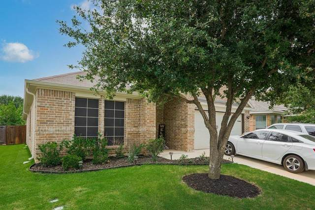 10709 Emerald Park Lane, Fort Worth, TX 76052 (MLS #14606333) :: The Property Guys