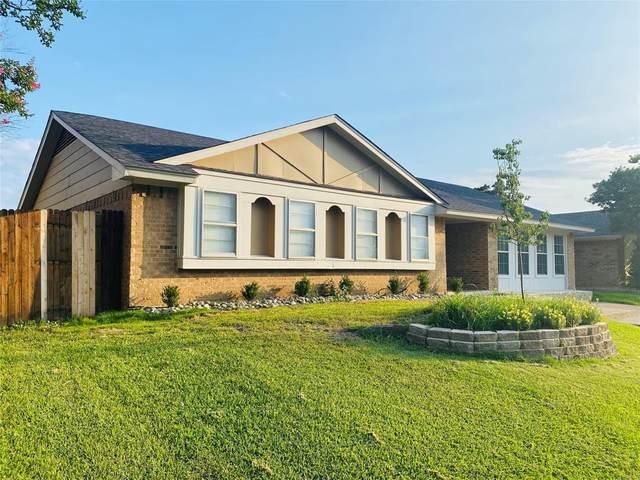 2106 Benbrook Drive, Carrollton, TX 75007 (MLS #14606744) :: Lisa Birdsong Group | Compass