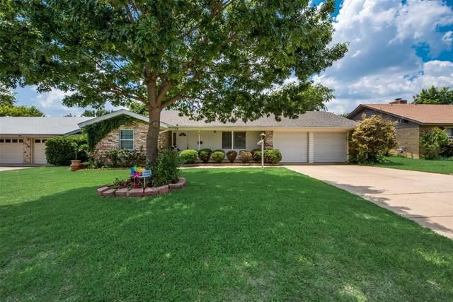 2924 Laredo Drive, Fort Worth, TX 76116 (MLS #14606845) :: The Property Guys