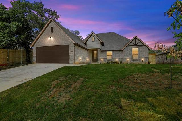 321 Norman Drive, Euless, TX 76040 (MLS #14607251) :: Wood Real Estate Group