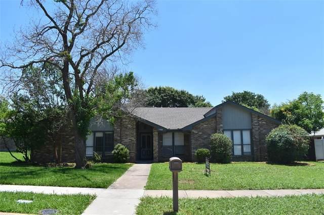 1900 Hondo Drive, Plano, TX 75074 (MLS #14607301) :: The Good Home Team