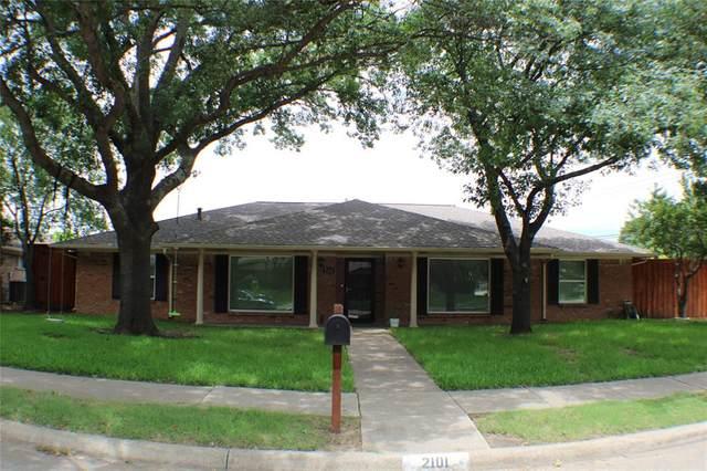 2101 Westridge Drive, Plano, TX 75075 (MLS #14607391) :: The Great Home Team