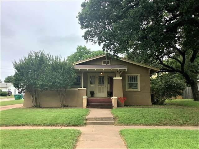 417 S Dixie Street, Eastland, TX 76448 (MLS #14607439) :: Maegan Brest | Keller Williams Realty