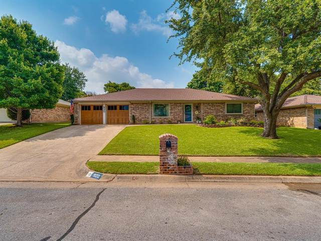 920 Timber View Drive, Bedford, TX 76021 (MLS #14607470) :: The Good Home Team