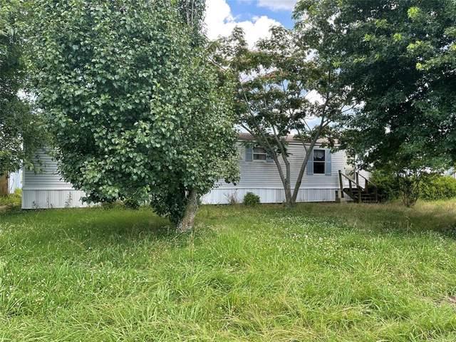 4019 Farm Road 137, Paris, TX 75460 (MLS #14607471) :: Real Estate By Design