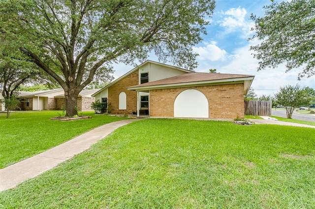 1000 Ivanhoe Street, Cleburne, TX 76033 (MLS #14607692) :: The Mauelshagen Group