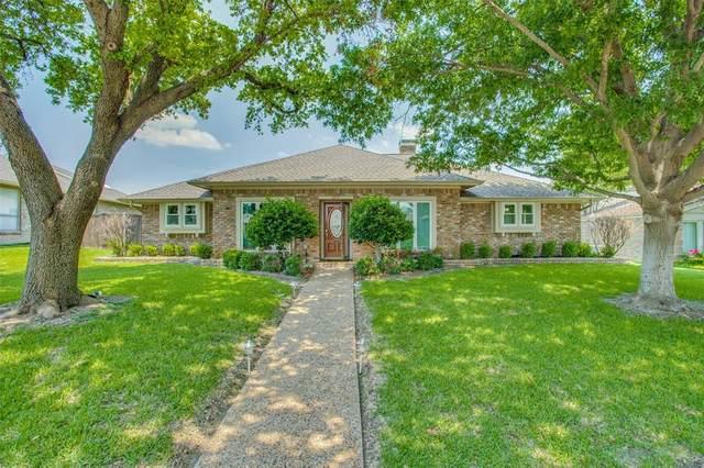 2215 Parkhaven Drive, Plano, TX 75075 (MLS #14607772) :: The Good Home Team
