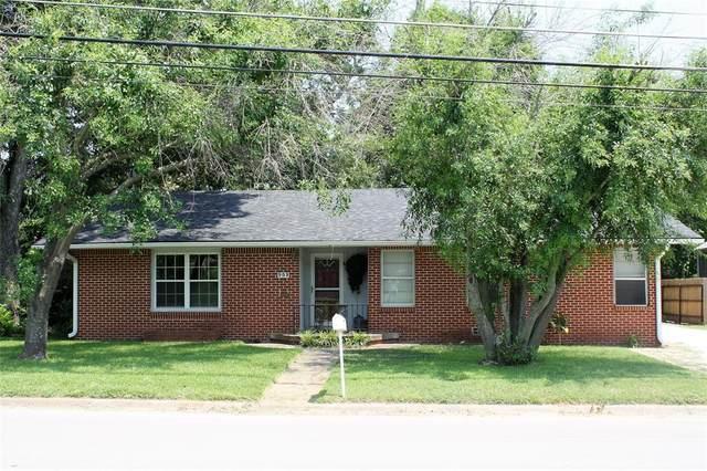 909 N Mill Street, Bowie, TX 76230 (MLS #14608059) :: The Good Home Team