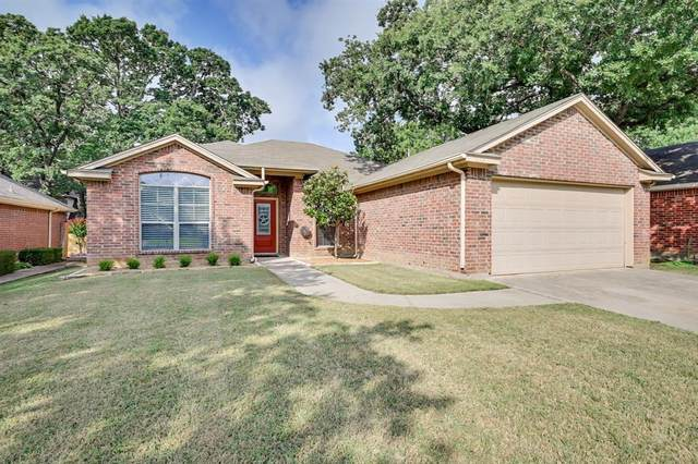 516 Oakbrook Drive, Burleson, TX 76028 (MLS #14608074) :: 1st Choice Realty