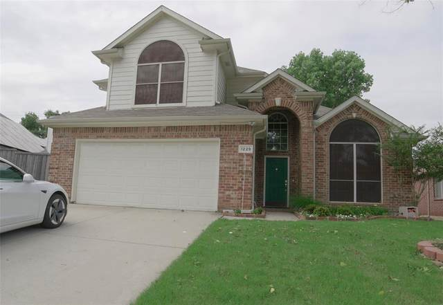 1229 Tanner Drive, Lewisville, TX 75077 (MLS #14608354) :: Real Estate By Design