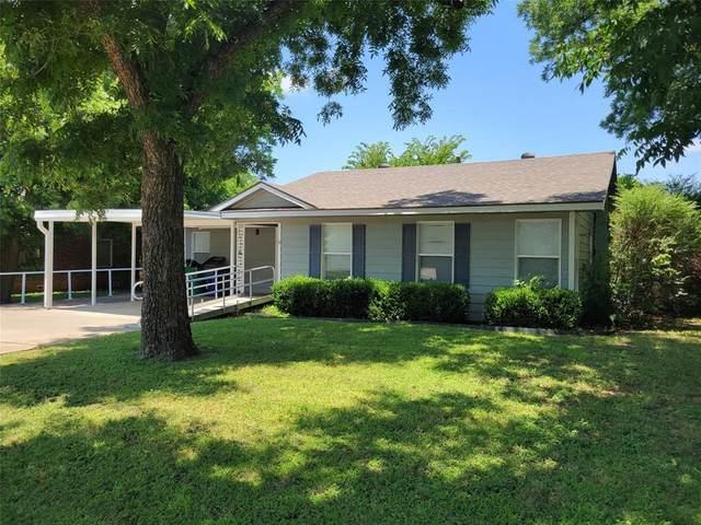 1305 1st Street, Graham, TX 76450 (MLS #14608457) :: Jones-Papadopoulos & Co