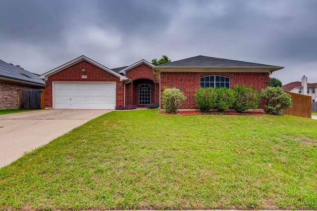 7315 Fossil Garden Drive, Arlington, TX 76002 (MLS #14609466) :: The Property Guys