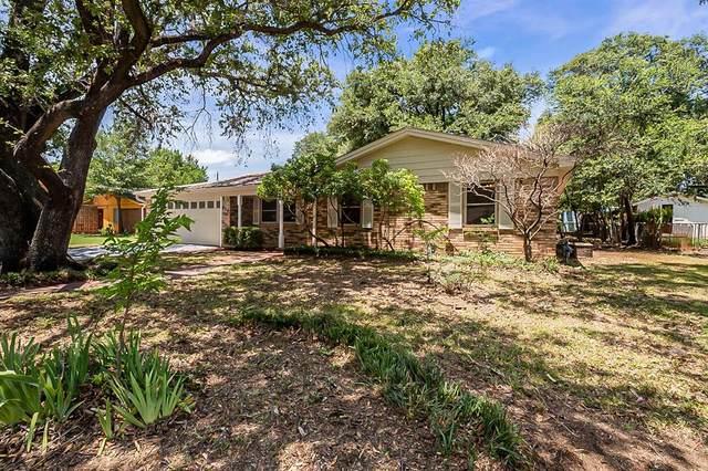 816 Timberhill Drive, Hurst, TX 76053 (MLS #14611887) :: Real Estate By Design