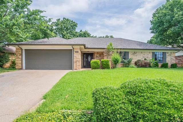 629 Steeplechase Drive, Bedford, TX 76021 (MLS #14612180) :: Wood Real Estate Group