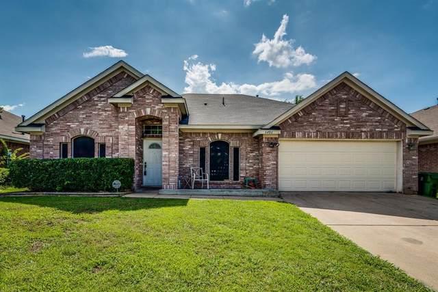 6406 St Leonard Drive, Arlington, TX 76001 (MLS #14612710) :: The Mauelshagen Group