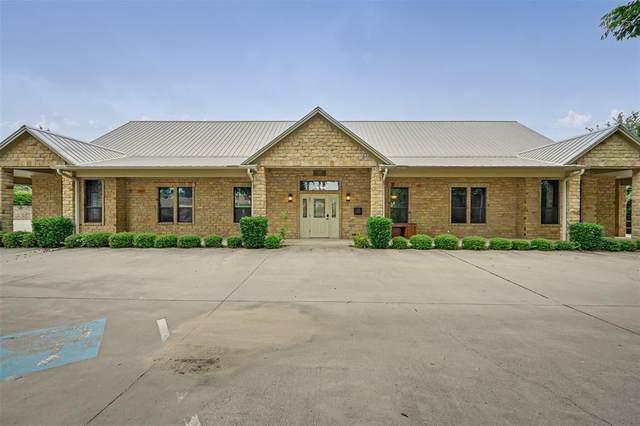 327 N Denton Street, Weatherford, TX 76086 (MLS #14613065) :: Frankie Arthur Real Estate