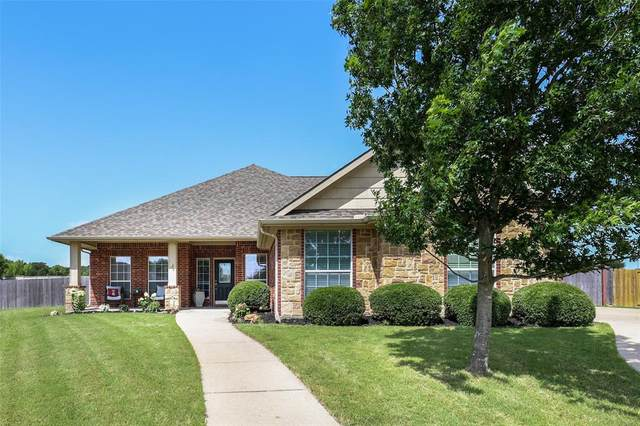 700 Yaupon Court, Burleson, TX 76028 (MLS #14613209) :: The Mitchell Group