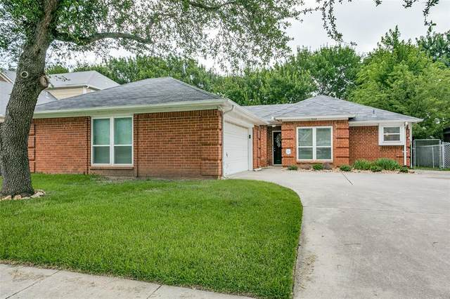 7000 Wooddale Drive, Watauga, TX 76148 (MLS #14613516) :: The Mitchell Group