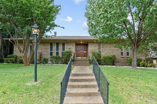 9647 Crestedge Drive, Dallas, TX 75238 (MLS #14613644) :: Wood Real Estate Group