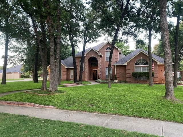1472 Spinnaker Lane, Azle, TX 76020 (MLS #14613924) :: Real Estate By Design