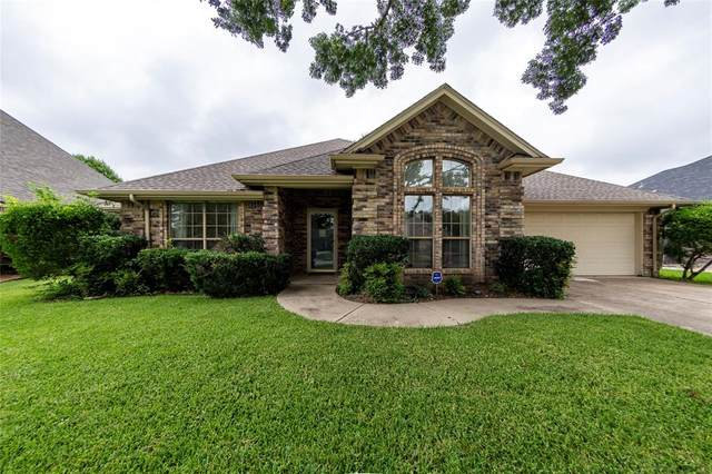8118 Meadowside Drive, Benbrook, TX 76116 (MLS #14614276) :: Real Estate By Design