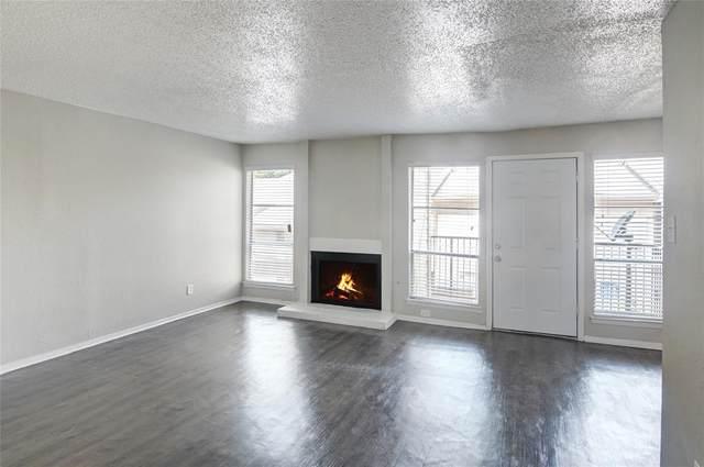 5520 Boca Raton Boulevard #402, Fort Worth, TX 76112 (MLS #14615434) :: Real Estate By Design