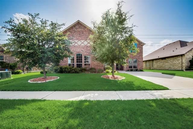7615 Watercrest Lane, Grand Prairie, TX 75054 (MLS #14616210) :: The Krissy Mireles Team