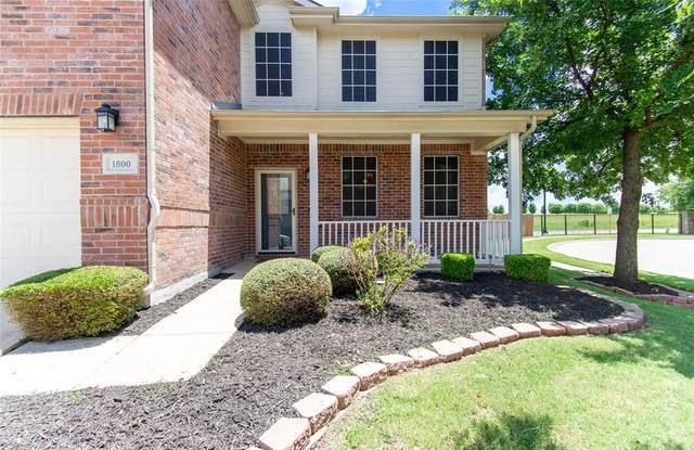 1800 Marlin Drive, Aubrey, TX 76227 (MLS #14616594) :: Real Estate By Design