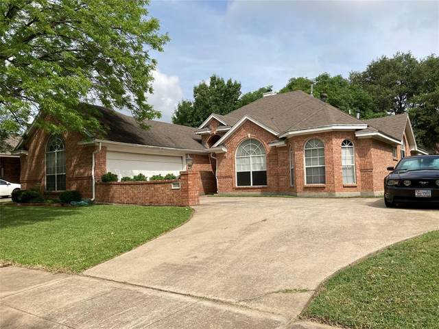 3149 Waterside Drive, Arlington, TX 76012 (MLS #14616682) :: Real Estate By Design
