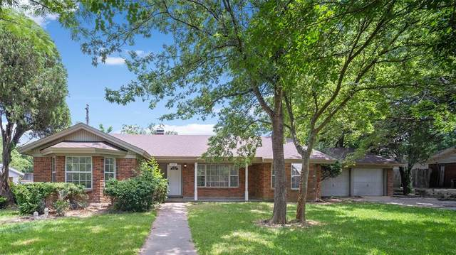 1207 Crestwood Drive, Cleburne, TX 76033 (MLS #14616988) :: The Property Guys