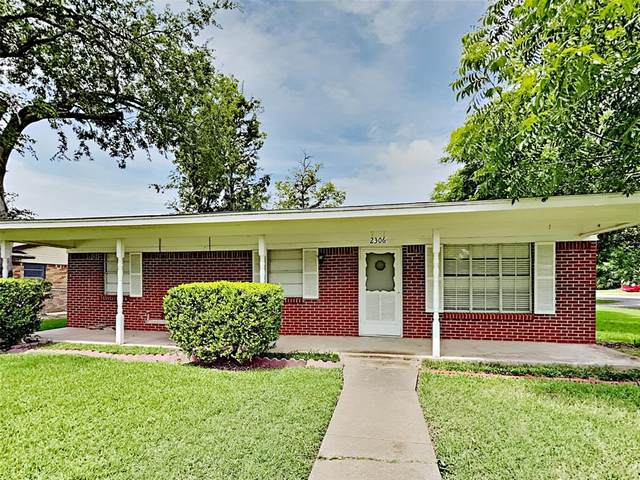 2306 Monteleon Street, Grand Prairie, TX 75051 (MLS #14618397) :: Real Estate By Design