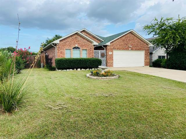 1726 Avenue D, Grand Prairie, TX 75051 (MLS #14618527) :: Jones-Papadopoulos & Co