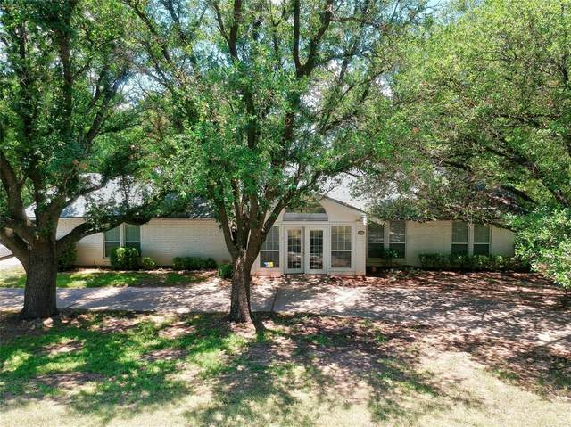 6500 Westover Drive, Granbury, TX 76049 (MLS #14618619) :: Maegan Brest | Keller Williams Realty