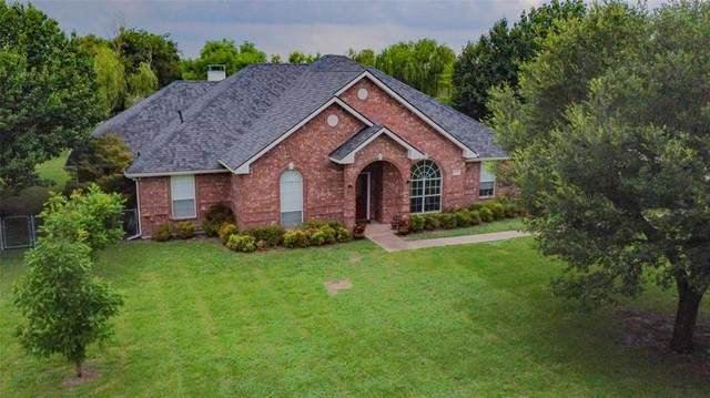 1324 E Highland Road, Waxahachie, TX 75167 (MLS #14618876) :: Real Estate By Design