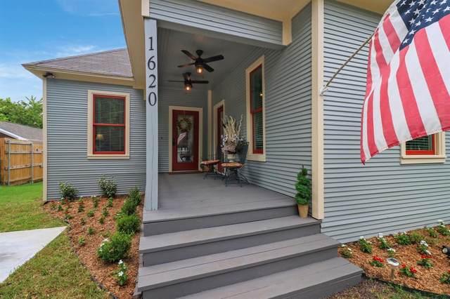 1620 Alston Avenue, Fort Worth, TX 76104 (MLS #14618924) :: Craig Properties Group