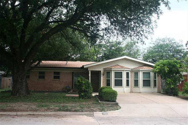 921 Jerry Lane, Bedford, TX 76022 (MLS #14619403) :: Front Real Estate Co.