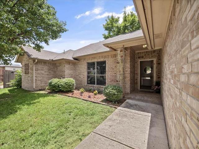 341 Grace Circle, Hurst, TX 76053 (MLS #14619404) :: The Chad Smith Team