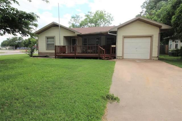 302 Woodlawn Drive, Abilene, TX 79603 (MLS #14619453) :: The Chad Smith Team
