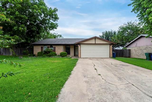 7404 Rhonda Court, Watauga, TX 76148 (MLS #14619970) :: Real Estate By Design