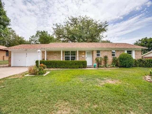 3813 Palomino, Benbrook, TX 76116 (MLS #14620358) :: Real Estate By Design