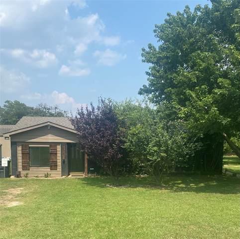 209 Paint Brush Trail, Burleson, TX 76028 (MLS #14620549) :: The Hornburg Real Estate Group