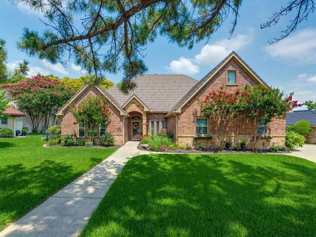 325 Driftwood Court, Azle, TX 76020 (MLS #14621310) :: Real Estate By Design