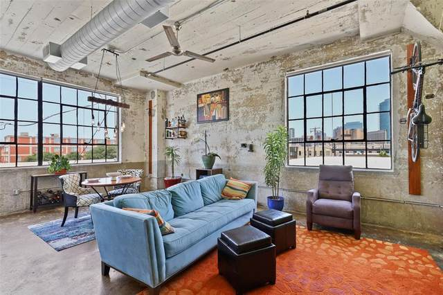 120 St. Louis Avenue #201, Fort Worth, TX 76104 (MLS #14621868) :: The Chad Smith Team