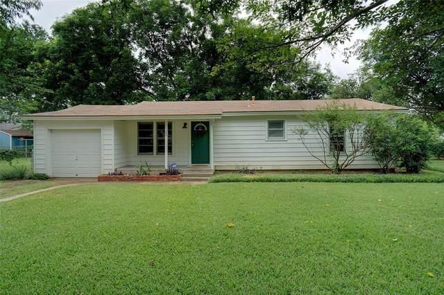 20 Lynn Court, Hurst, TX 76053 (MLS #14621919) :: Real Estate By Design