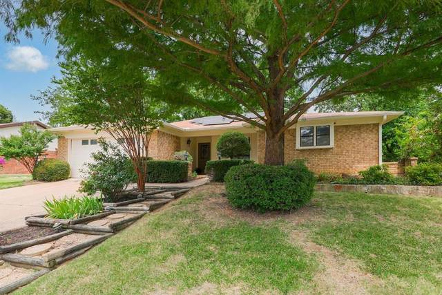 3208 Whisperwood Court, Bedford, TX 76021 (MLS #14622421) :: Front Real Estate Co.