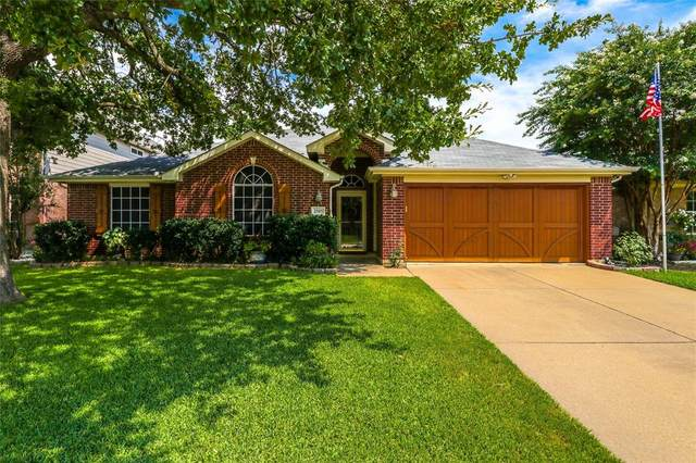 2505 Greenhaven Drive, Burleson, TX 76028 (MLS #14622631) :: Rafter H Realty
