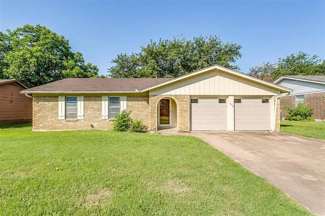549 NW Chisholm Road, Burleson, TX 76028 (MLS #14622899) :: The Property Guys